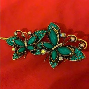 Jewelry - Hair clip